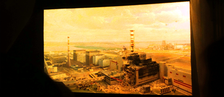 """Povestea Cernobîlului. Partea a 4-a: """"Exploziile. Sâmbătă, 1:23 a.m."""""""